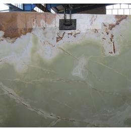 Натуральный камень Оникс Medium Green